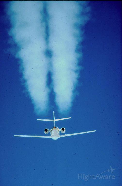 — — - Falcon 20 at FL 390