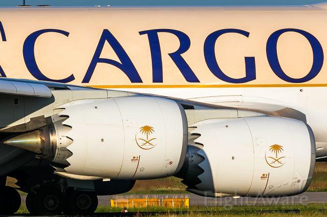 BOEING 747-8 (HZ-AI3)