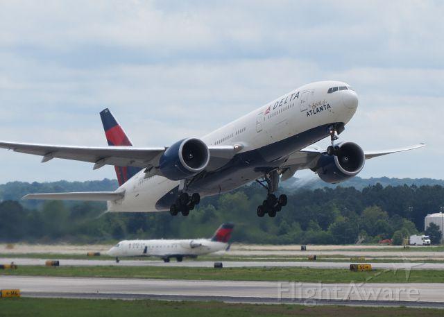 Boeing 777-200 (N702DN) - The Spirit of Atanta