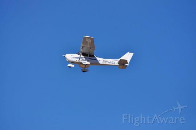 Cessna Skyhawk (N984RA) - Departing runway 20 @ KCDC
