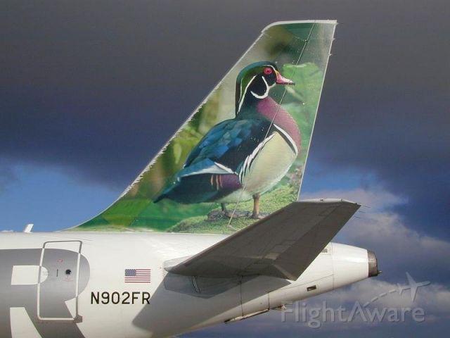 Airbus A319 (N902FR)