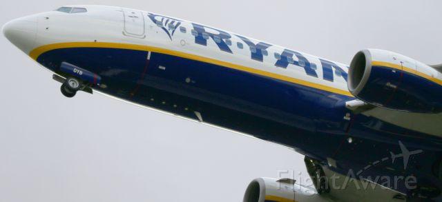 Boeing 737-800 — - JOHN LENNON AIRPORT