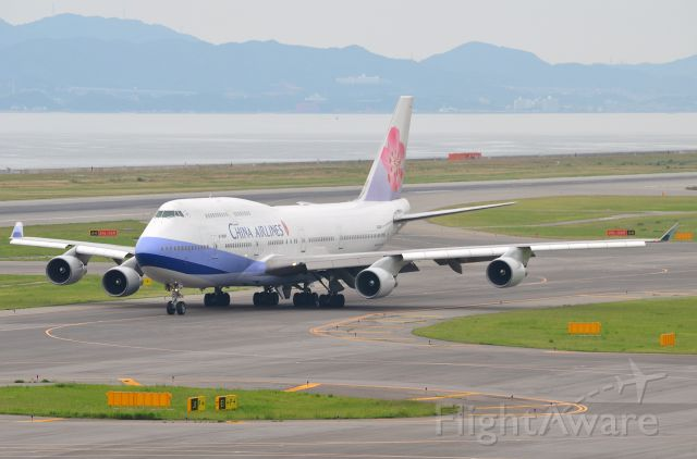 Boeing 747-400 (B-18207) - Airline: China Airlines (CI/CAL); Airport: Kansai International Airport (KIX/RJBB); Camera: Nikon D7000; Date: 4 July 2012