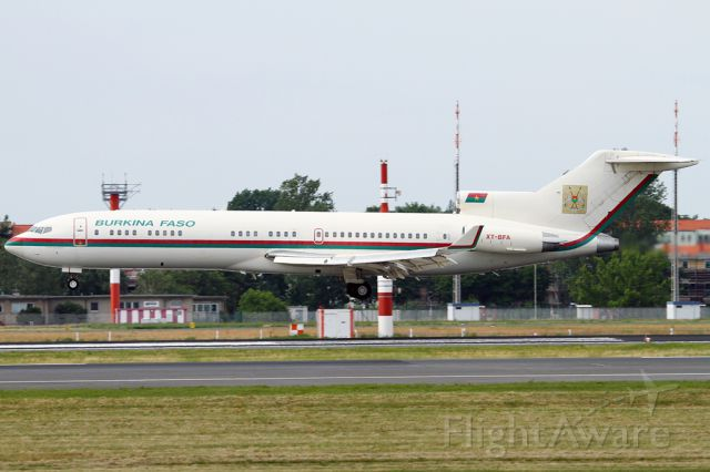 Boeing 727-100 (XT-BFA) - President of Republic Burkina Faso, Blaise Compaoré<br />landed in Berlin, at RWY 26R