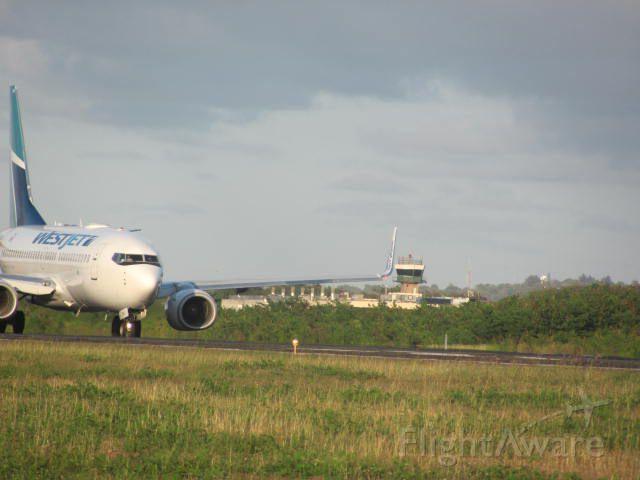 Boeing 737-700 — - On Backtrack RWY 08