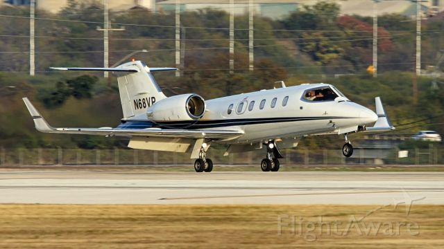 Learjet 31 (N68VP) - 22 arrival.
