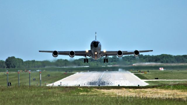 Boeing C-135B Stratolifter — - KC-135 from Milwaukee
