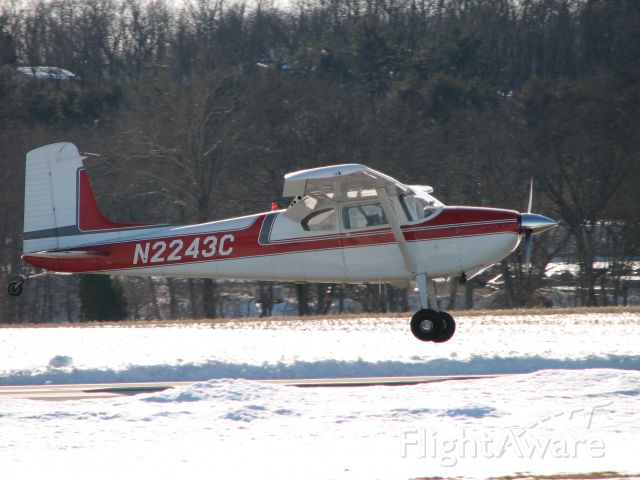 Cessna Skywagon 180 (N2243C) - landing at Penn Valley