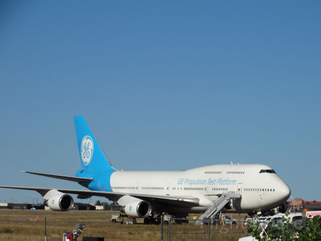 Boeing 747-400 (N747GF)