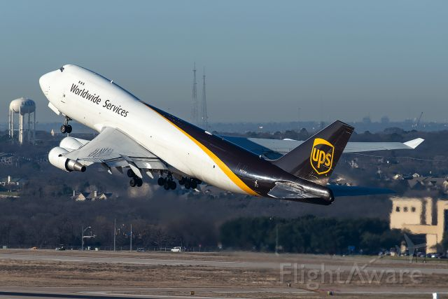 Boeing 747-400 (N572UP) - UPS2751 Heavy to Louisville departing runway 18L at Dallas/Fort Worth International Airport.