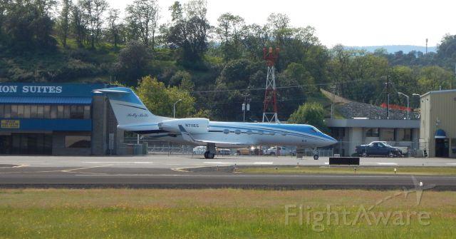 Gulfstream Aerospace Gulfstream IV (N711EG) - N711EG at Roseburg airport 4/19/15