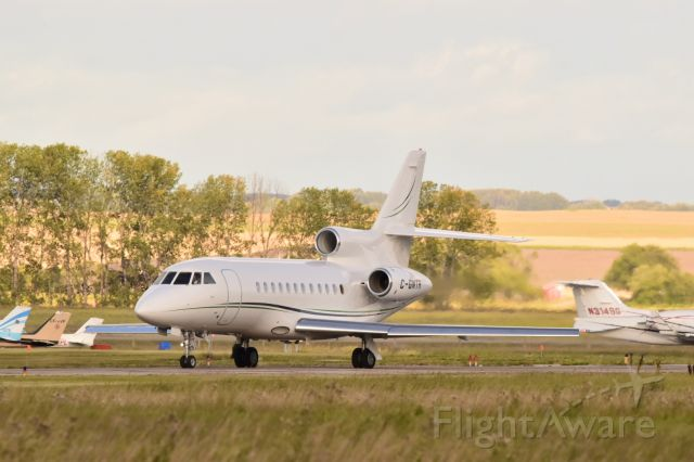 Dassault Falcon 900 (C-GNTR) - Dassault Falcon 900 taxiing to runway 3