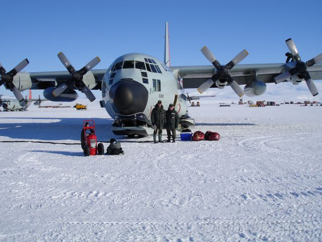 73-3300 — - Willy Field McMurdo Station:  This is the aircraft that took myself and the Command Chief of the Air National Guard to the South Pole in December 2005.  You can get a good look at nose gear ski and the nose wheel