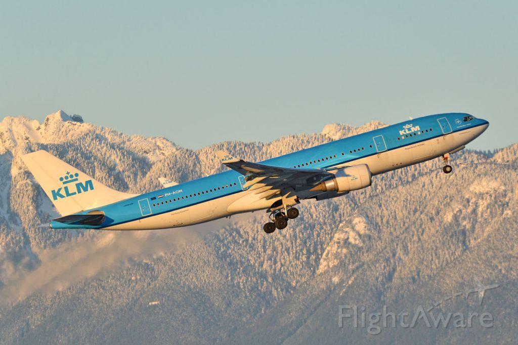 Airbus A330-200 (PH-AOM)