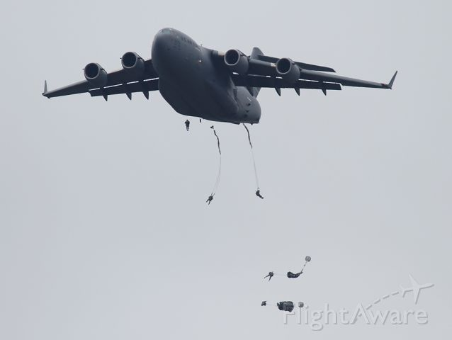 Boeing Globemaster III (00-0175) - Nothing like jumping out of a C-17