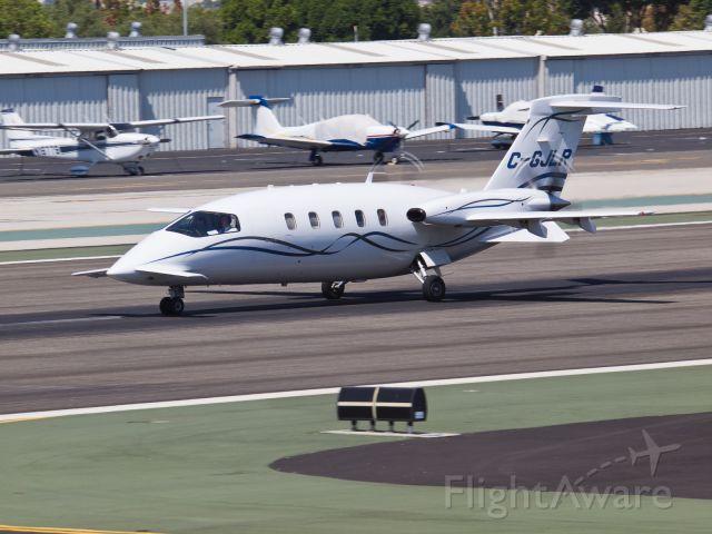 Piaggio P.180 Avanti (C-GJLR) - C-GJLR departing from RWY 21