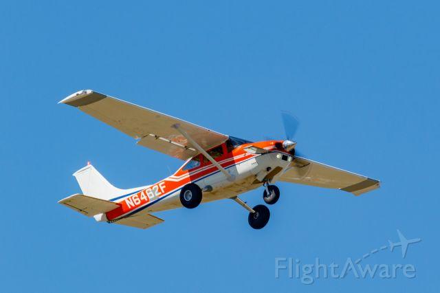 Cessna Skylane (N6462F) - N6462F just off the runway at KFNL.