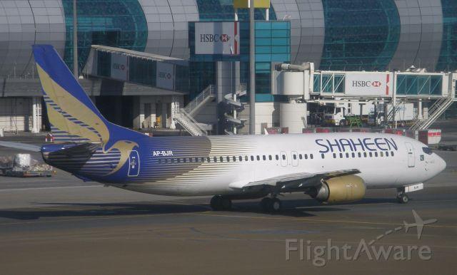 BOEING 737-400 (AP-BJR)