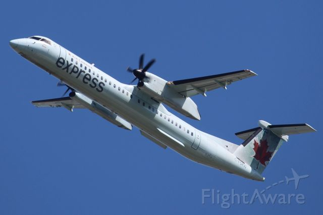 de Havilland Dash 8-400 (C-FSRW)