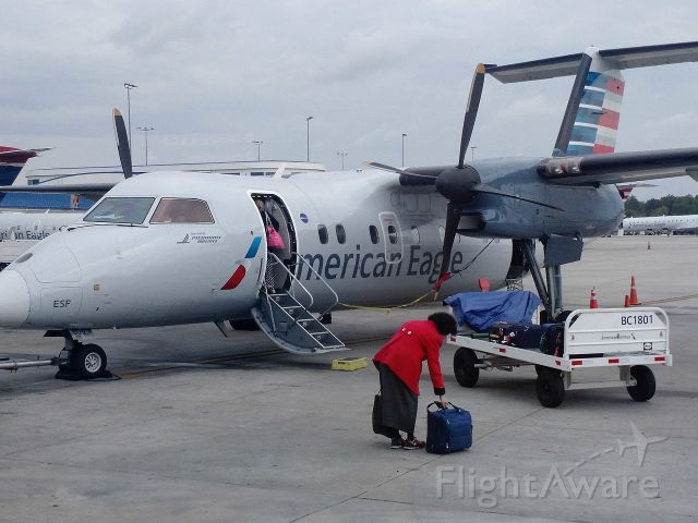 de Havilland Dash 8-100 (N807EX) - Who doesn't love propeller planes a great way to fly to Salisbury Maryland for a week at the sea. Taken in Salisbury in July.