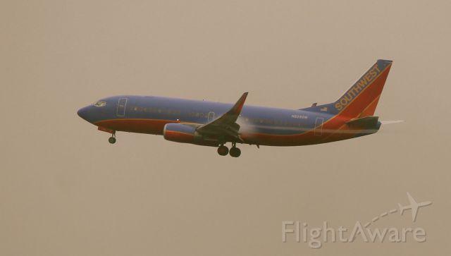 Boeing 737-700 (N628SW)