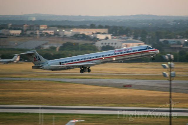 McDonnell Douglas MD-80 (N961TW) - Final American MD-80 to depart SAT. Aircraft was sent to Roswell after this flight. Gonna miss the MD-80.