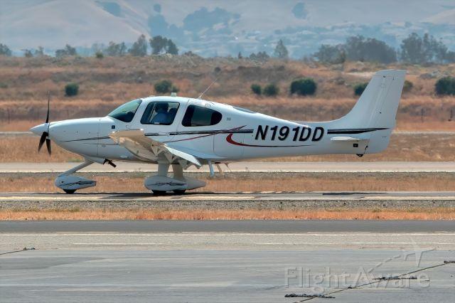 Cirrus SR-20 (N191DD) - Cirrus SR-20 at Livermore Municipal Airport, Livermore CA. September 2020