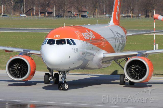Airbus A320neo (G-UZHD)