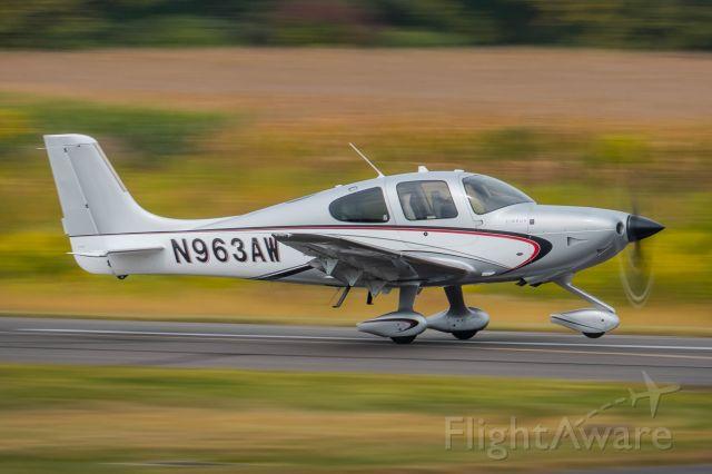 Cirrus SR-22 (N963AW) - Cirrus SR22T (N963AW) taking off from KLOM