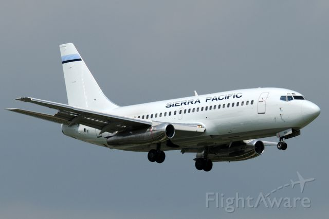 Boeing 737-200 (N703S) - SPA703 arriving from KBIF on a troop charter