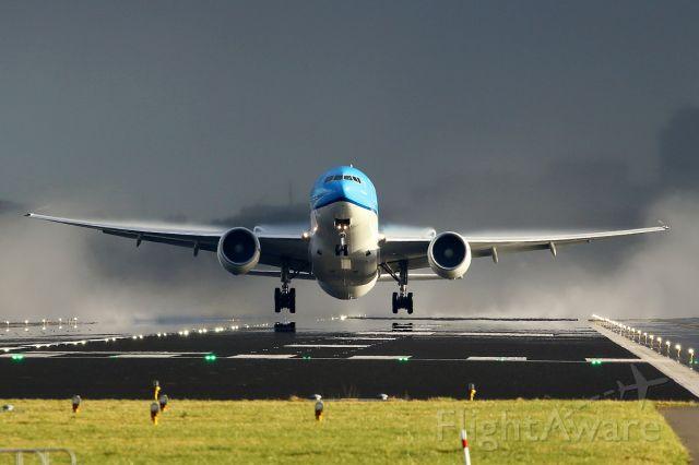 Boeing 777-200 (PH-BQD)