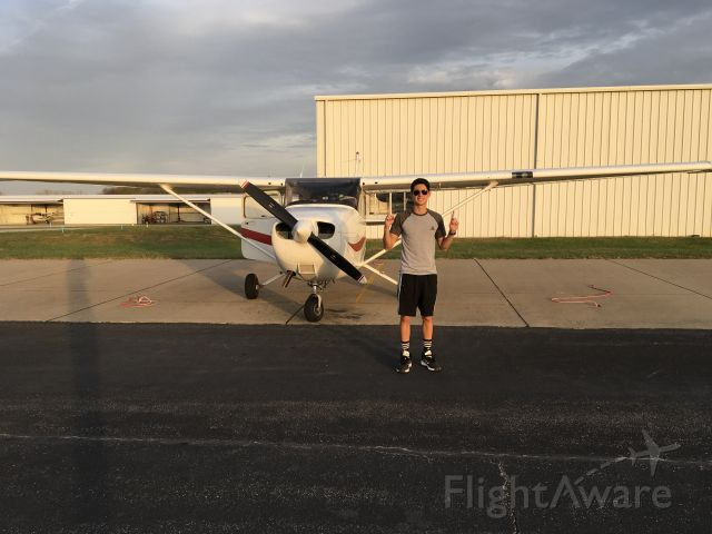 Cessna Skyhawk (N465CM) - Flying lessons!