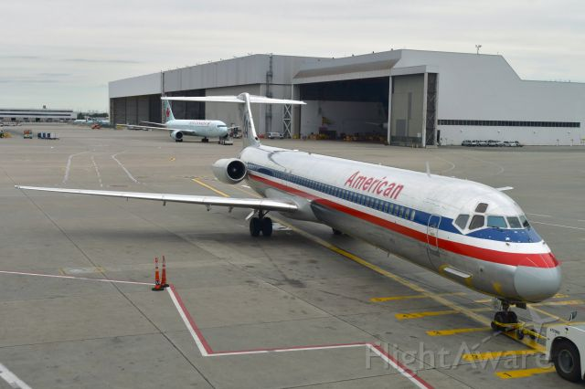 McDonnell Douglas MD-83 (N984TW) - American Airlines McDonnell Douglas MD-83 N984TW in Toronto