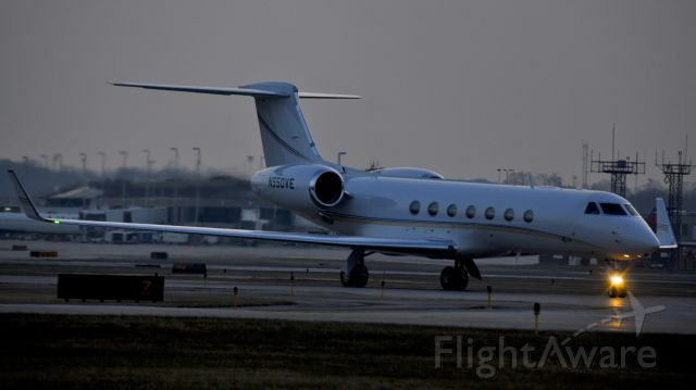 N550VE — - A bit of a gloomy day in Milwaukee today.