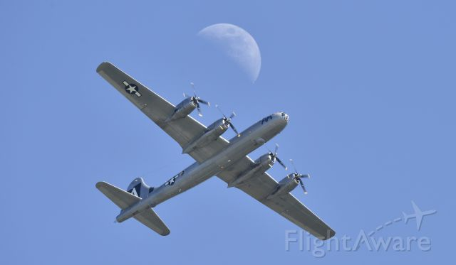 Boeing B-29 Superfortress (N529B) - Caught this as she was pulling out during the missing man formation that she participated in during 2017 Airventure