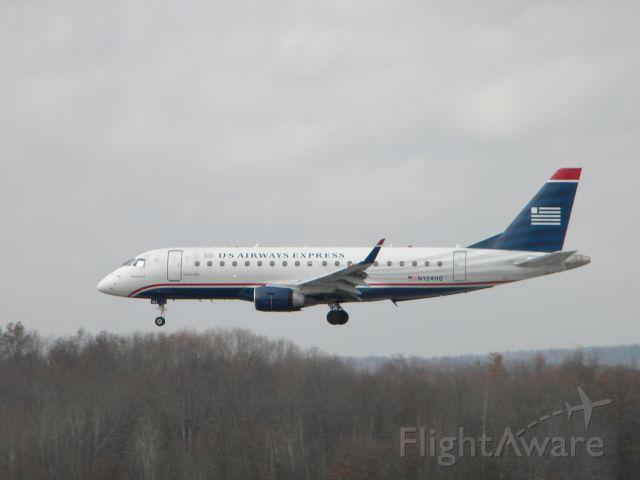 Embraer 170/175 (N124HQ) - N124HQ landing on runway 24 at Bradley International Airport (KBDL)