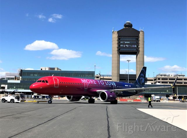 Airbus A321 (N927VA) - More To Love Special