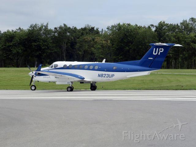 Beechcraft Super King Air 350 (N823UP) - 21 AUGUST 2015   take off runway 34.