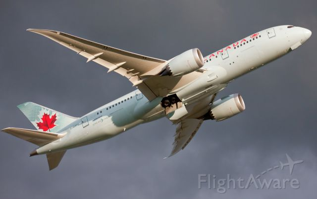 Boeing 787-8 (C-GHPQ) - Air Canada 787 diverted to CFB Trenton instead of landing in Toronto due to weather!br /br /Coming from Copenhagen