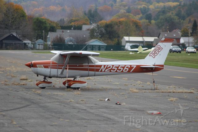Cessna 152 (N25567) - N25567 1977 CESSNA C152 CAHOON CHARLES N NORTH ADAMS, MA br /KAQW Harriman-and-West Airport North Adams, Massachusettsbr /Photo taken by Christopher Wright