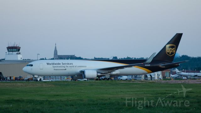 BOEING 767-300 (N335UP) - Heading to east cargo ramp after landing on runway 21, 07-18-13