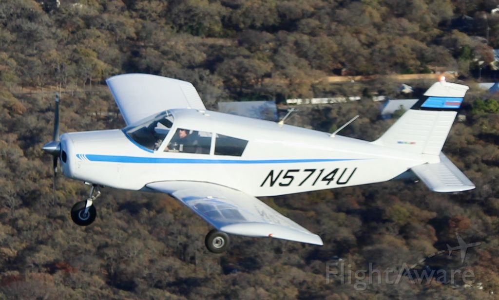 Piper Cherokee (N5714U) - Flying over Flying Oaks Airport