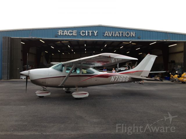 Cessna Skylane (N71866) - New paint Job AUG2012