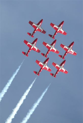 — — - Royal Canadian Air Force Snowbirds flying CT114