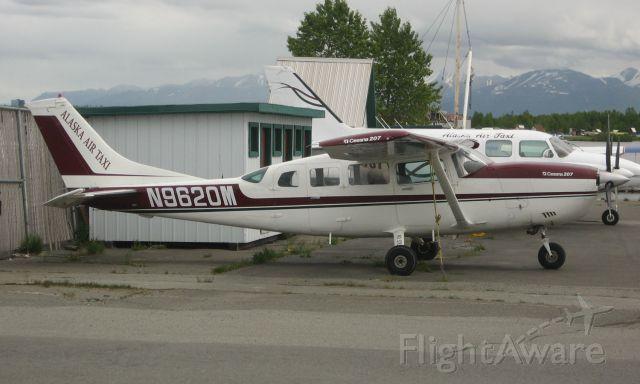 Cessna T207 Turbo Stationair 8 (N9620M)