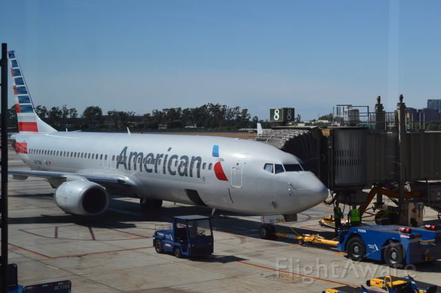Boeing 737-800 (N817NN) - About to pushback at the gate to Chicago. Taken from SNA terminal.