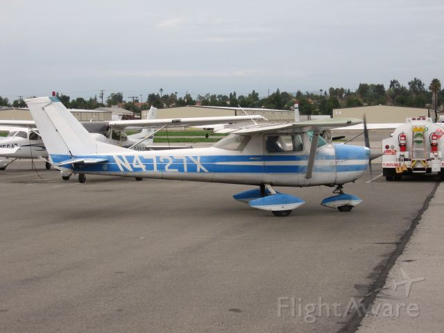 Cessna Commuter (N4727X) - Taxiing at Fullerton