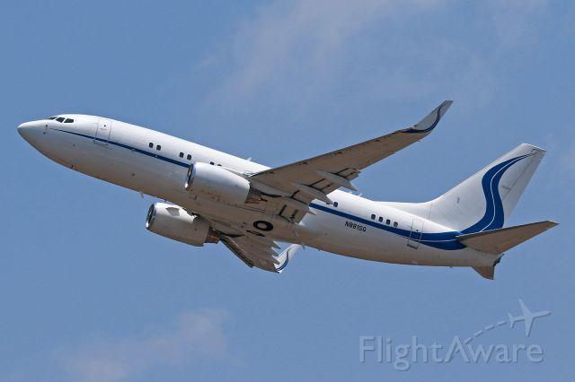 Boeing 737-700 (N881SG)
