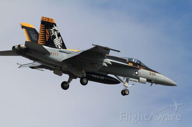 McDonnell Douglas FA-18 Hornet (16-8363)