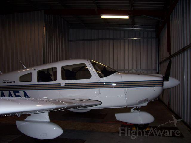 Piper Cherokee (N8445A)